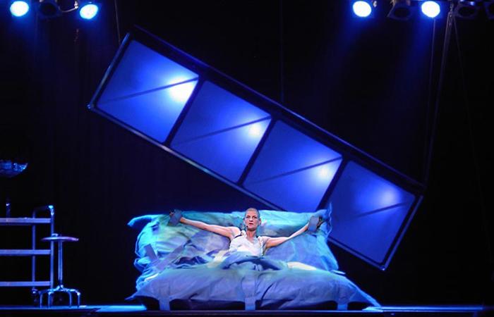 Born to Live, Annette Hilderbrand, Over het IJ Festival