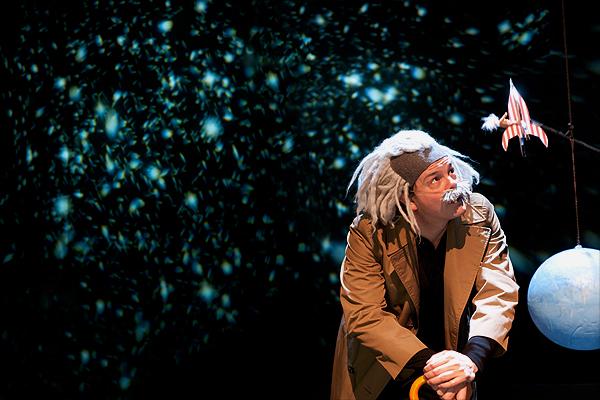 Einstein, Sneller dan Licht, Het Filiaal, Theater Kikker